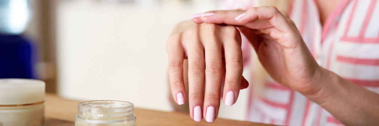 Poradnik - jak odpowiednio dbać o suchą skórę?